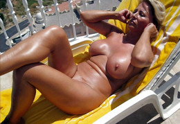 Women nudists with big breasts and..