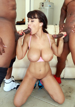 Perfect american pornstar Lisa Ann..