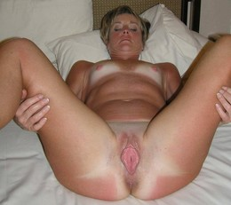 Basildon milf having a little fun..
