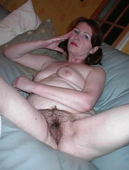 Seductive mature moms shoting their..
