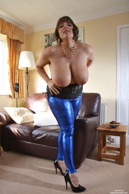 Dissolute ex-wife show her fantastic..