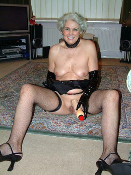 Horny mature moms posing naked for..
