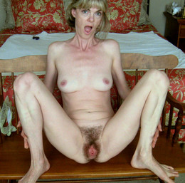 Skinny pale-skinned mature airing her..