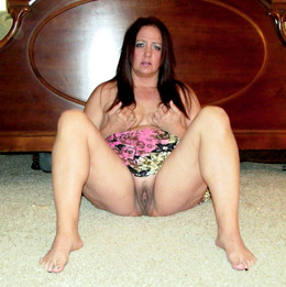 My chubby ex-wife spreading legs in..