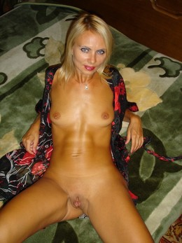 Hot mature temptresses with big round..