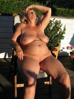 Awesom mature BBW, huge boobs amateur