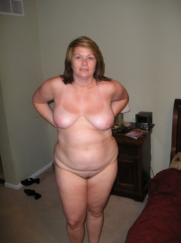 Wonderful MILF Naked at Home, erotic..